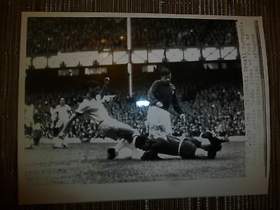 Press Photograph 1966 World Cup BRAZIL v PORTUGAL - MANGA