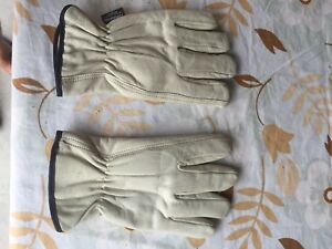 Doeskin driving/ work gloves.