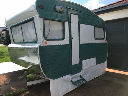 10tf 69 Viscount Restored Vintage Caravan