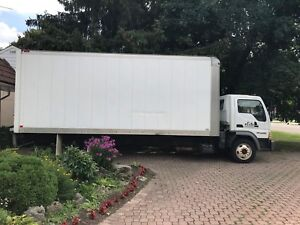 2006 Ford LCF diesel cube truck with low km