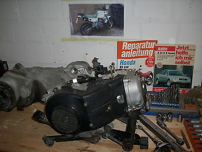 reparatur wartung s tuning und reparaturbuch scooter motorroller modelle 50 ccm bis 250 ccm ebay. Black Bedroom Furniture Sets. Home Design Ideas