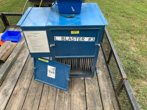 Donaldson Torit Model 66 Cabinet Dust Collector w/ Controls, 1/2HP Motor