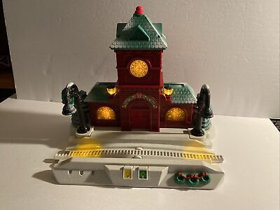 Fisher Price GeoTrax Train Set Christmas In Toy Town Station Piece Light Sound