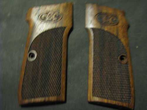 Walther Model 4 ONLY Pistol Grips Fine French Walnut Checkered NEW!
