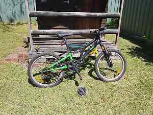 Bike and bits North Rothbury Cessnock Area Preview