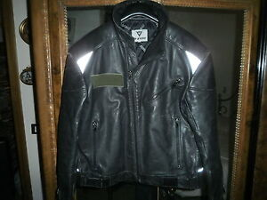 DAINESE-BLACK-LEATHER-MOTORCYCLE-BIKER-JACKET-size-US-UK-46-ITA54-FANTASTIC