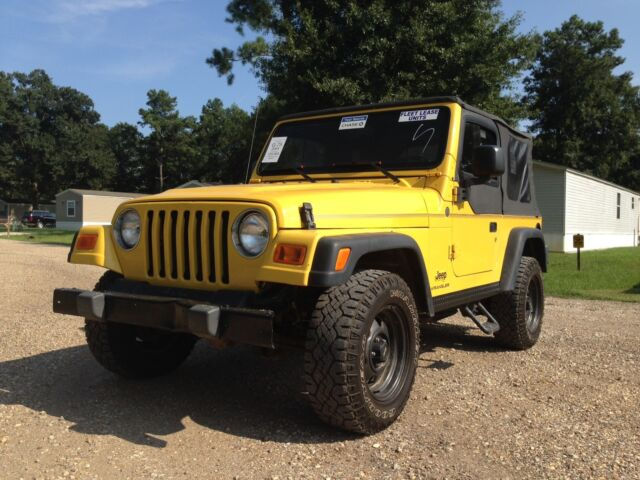 2004 jeep wrangler se 120k low miles get 4x4 solar yellow best of year used jeep. Black Bedroom Furniture Sets. Home Design Ideas