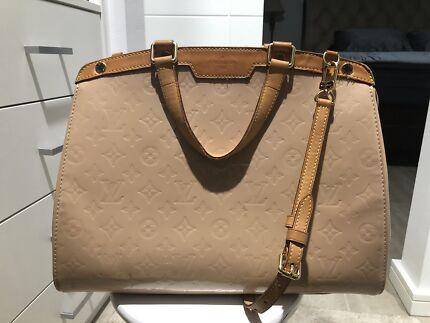 a2c957263688 Authentic Louis Vuitton Brea GM bag in Rose Florentine