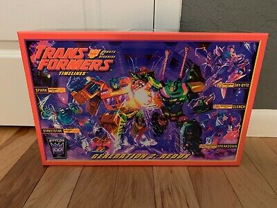 TRANSFORMERS BOTCON 2010 GENERATION 2 REDUX, NEW IN BOX