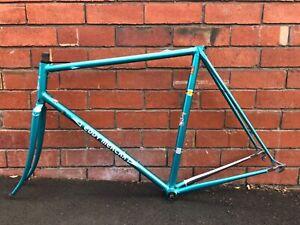 EDDY MERCKX Corsa Extra Bike & CAMPAGNOLO Chorus Groupset
