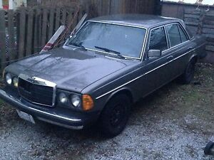1980 300 D Mercedes-Benz (parts car)