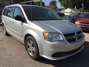 2011 Dodge Grand Caravan Stow and Go Low Km Low price Safetied