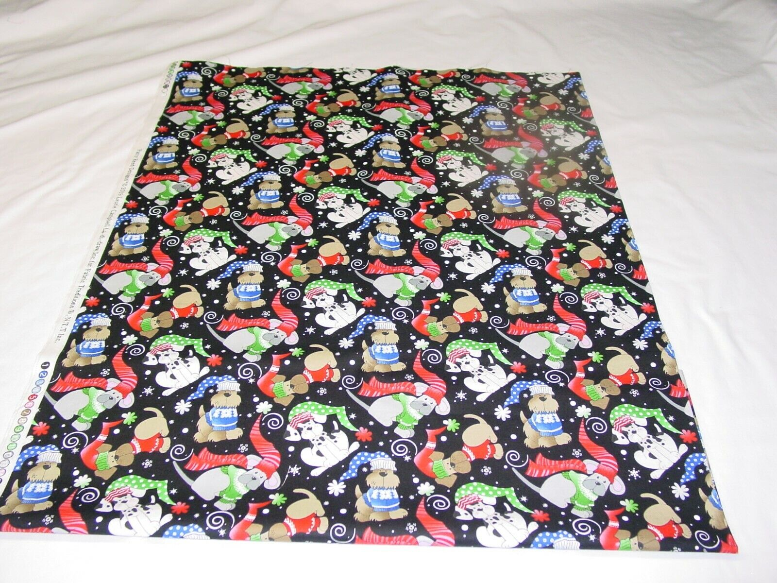 FABRIC TRADITION WINTER DOGS 100 COTTON REMNANT LENGTH 33 X WIDTH 43  - $9.50