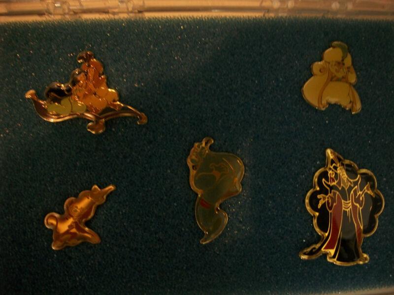 Aladdin  Rare cast members only  pin set  Mint!