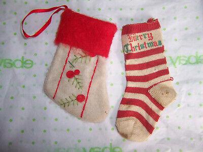 Tiny Christmas Stockings (Vintage old tiny CHRISTMAS STOCKINGS  2 ORNAMENTS sock knit & felt)