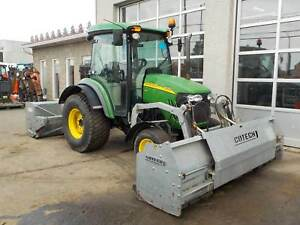 2014 John Deere 4720 SNOW REMOVAL SPECIAL .