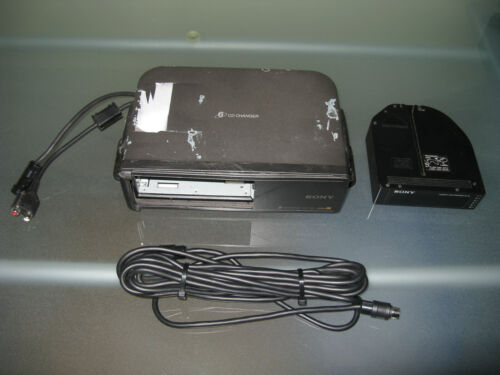 Sony CDX-T60 Mobile ES 6-Disc CD Changer and XA-T6 Compact 6 Disc Magazine