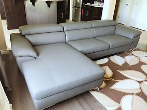 Mila sectional from Konto furniture