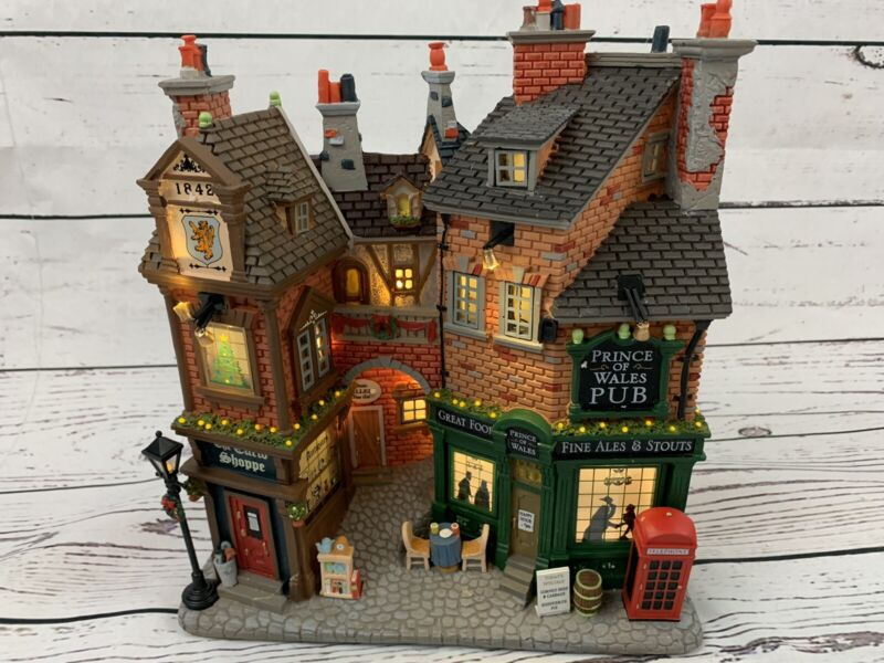 Rare LEMAX English Lane Essex Street Christmas Village Collection 75197