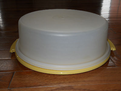 VINTAGE TUPPERWARE PIE CAKE CARRIER TAKER GOLD #719 Lemon Yellow ~FREE SHIPPING~