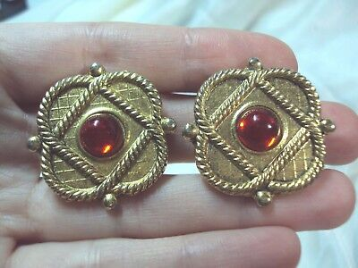 (big square diamond twisted rope trimmed red circle gold tone clip on earrings)