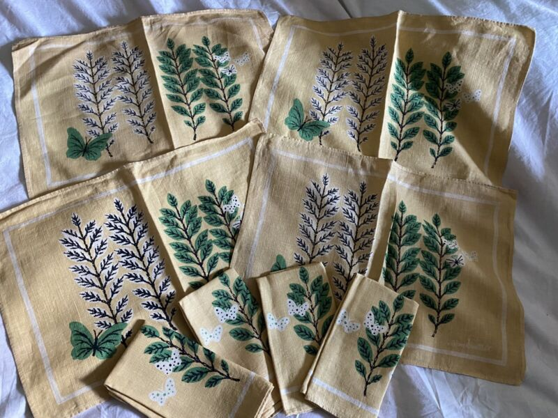 Vtg IVAN BARTLETT 4 Cloth PLACEMATS, 4 Cloth NAPKINS Yellow/Butterlies/Leaves