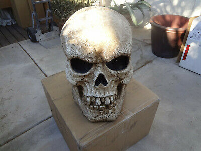 OOP LARGE SKULL ANIMATED PROP 20 X 20 X 15 LIGHTS AND SOUND
