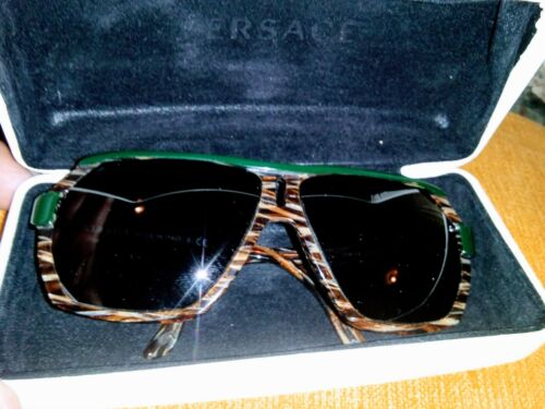 VERSACE VINTAGE VERSACE SUNGLASSES ORIGINAL WITH CASE LEOPARD AND GREEN 909