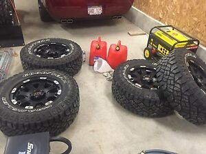 Wheels and Tires for jeep Jk