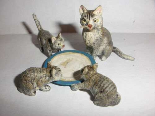 Vintage Vienna cold painted miniature 4 cats family group drinking milk figure