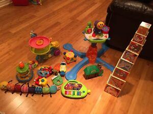 Jouets bébé/ jouets enfants/ exerciseur