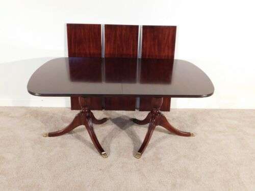 HENKEL HARRIS Duncan Phyfe Mahogany #29 Finish Dining Table w Three Leaves