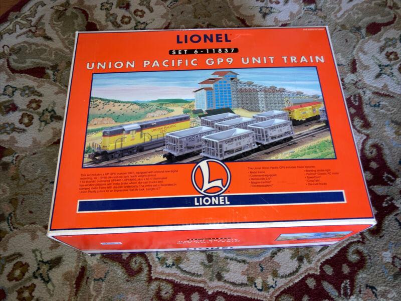O SCALE LIONEL UNION PACIFIC GP9 UNIT TRAIN 6-11837 New In Box