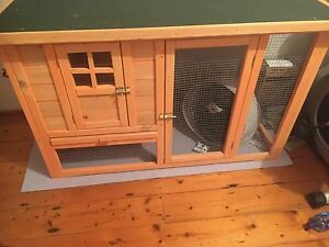Rabbit/cat/small animal hutch Sans Souci Rockdale Area Preview