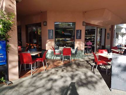 CAFE WITH LIQUOR LICENCE