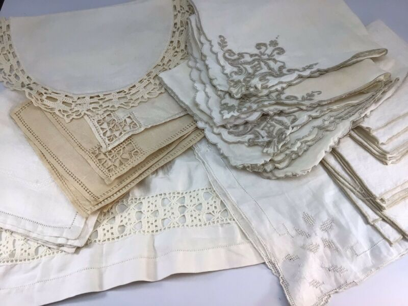 Lot Of 18 Pieces Vintage Linens Napkins Hankie Doilies Wedding Crafts Repurpose