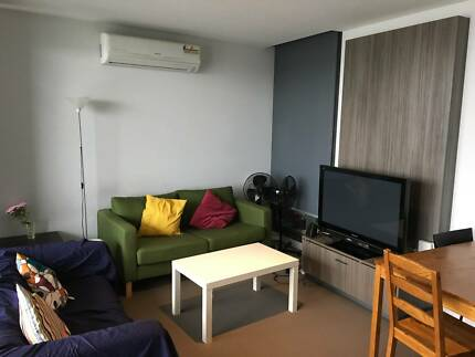 Tidy shared room 4 rent-MALE ONLY-