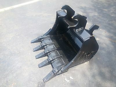 New 24 Excavator Bucket For A John Deere 35 Zts With Zts Coupler