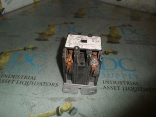 BRYANT CARRIER HN52HC030 MODEL 98 40 A 3 P 3 PH 600 V CONTACTOR