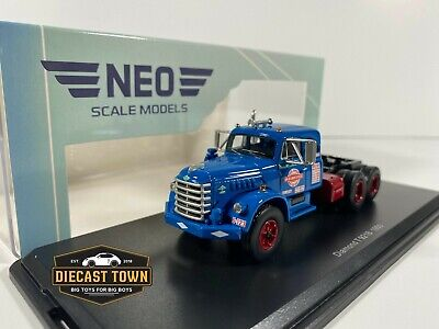 1/64 NEO Scale Models 1955 Diamond T 921B Truck Blue NEP64050