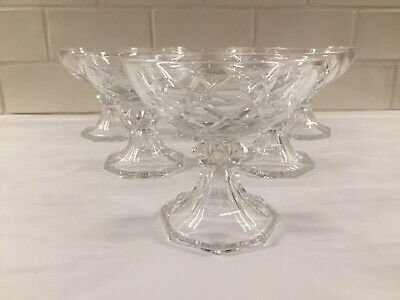 6 coupes à champagne en cristal  YALE taillé 2/1953. H: 96 mm VAL SAINT LAMBERT