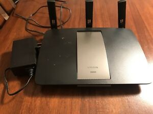 Linksys EA6900 wifi router