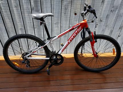 CHEAPP! Quick sale! Trek 3700 bike  Keilor East Moonee Valley Preview