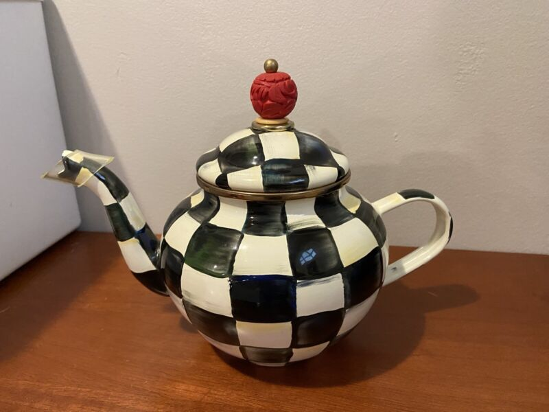 New Mackenzie Childs Courtly Check 4 Cup Teapot Black/White