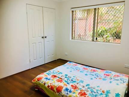 Beaustiful room available for rent
