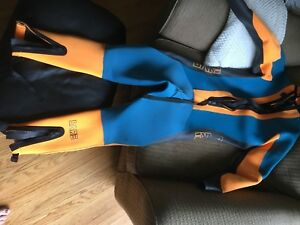 Men's Wet Suit