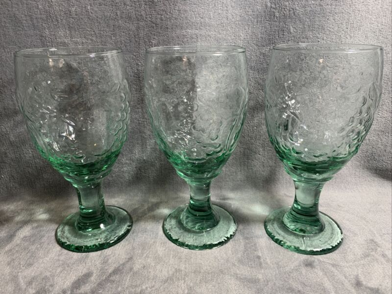 "Libbey Orchard Fruit Spanish Green, Water Goblet, Set of 3 Glasses, 7"" Tall"