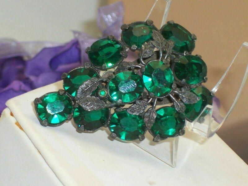 Vintage Dark Green Oval Rhinestone Rustic Pot Metal Fur Clip Dress Clip