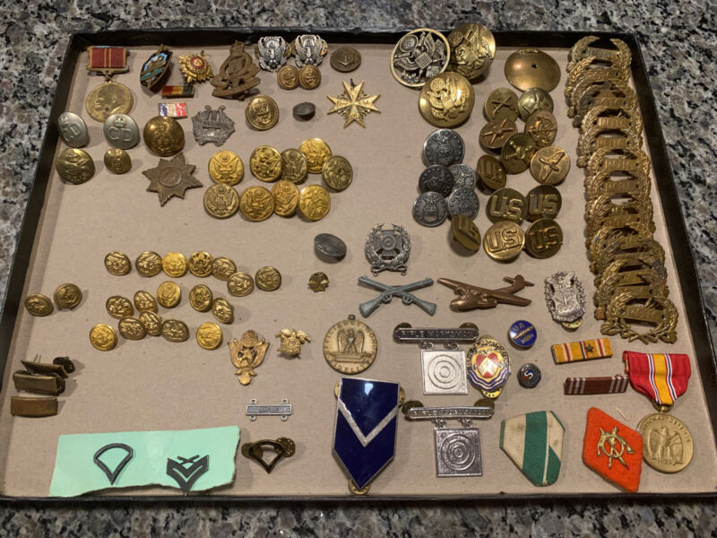 Vintage Lot Of Over 100 Global Military Pins Ans Buttons!