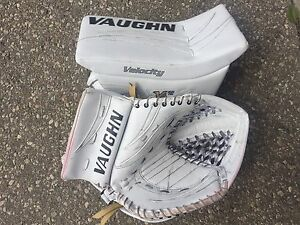 Vaughn Pro Goalie Gloves